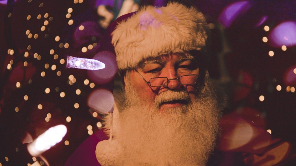 reasons NOT to focus on Santa this christmas